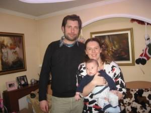 Мојот внук Стефан со мама Искра и тато Борче