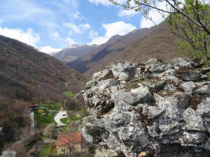 Поглед кон  Плоча на Шар Планина  од Лешочкото кале