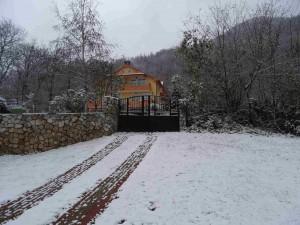 Photo: Mitko Spiroski, Leshok, 29.11.2016, Padna prviot sneg na Kale