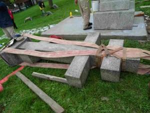 Во Лешок пристигна Крстот-Паметник, на монасите кои живееле во Лешочкиот манастир